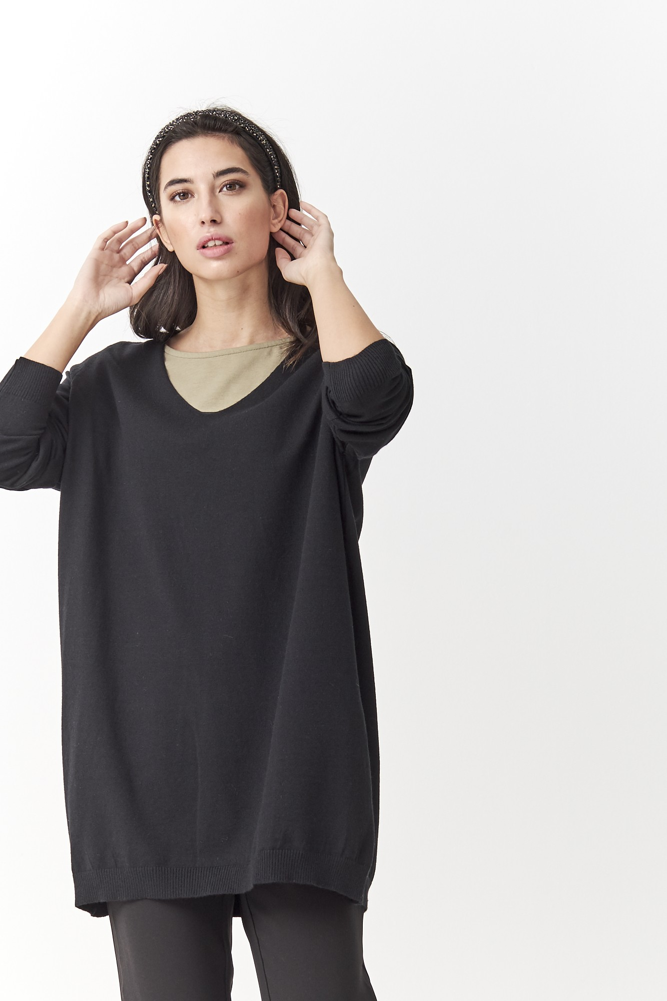 SISTER APOLO BLACK JUMPER