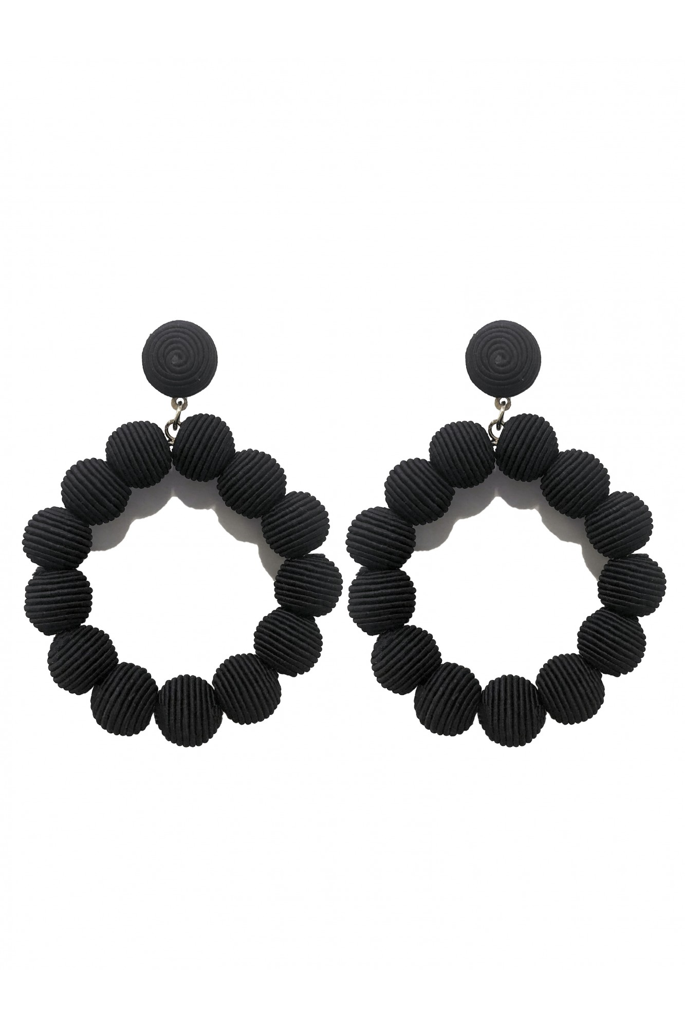 HELEA BLACK EARRINGS