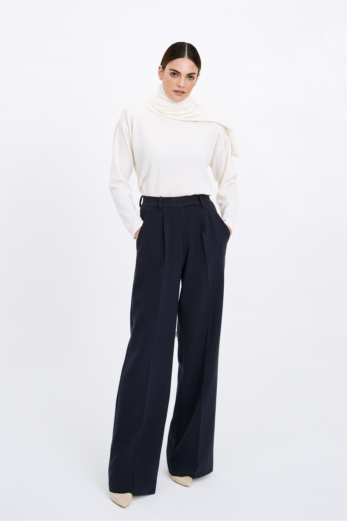 ALMUDENA NAVY TROUSERS
