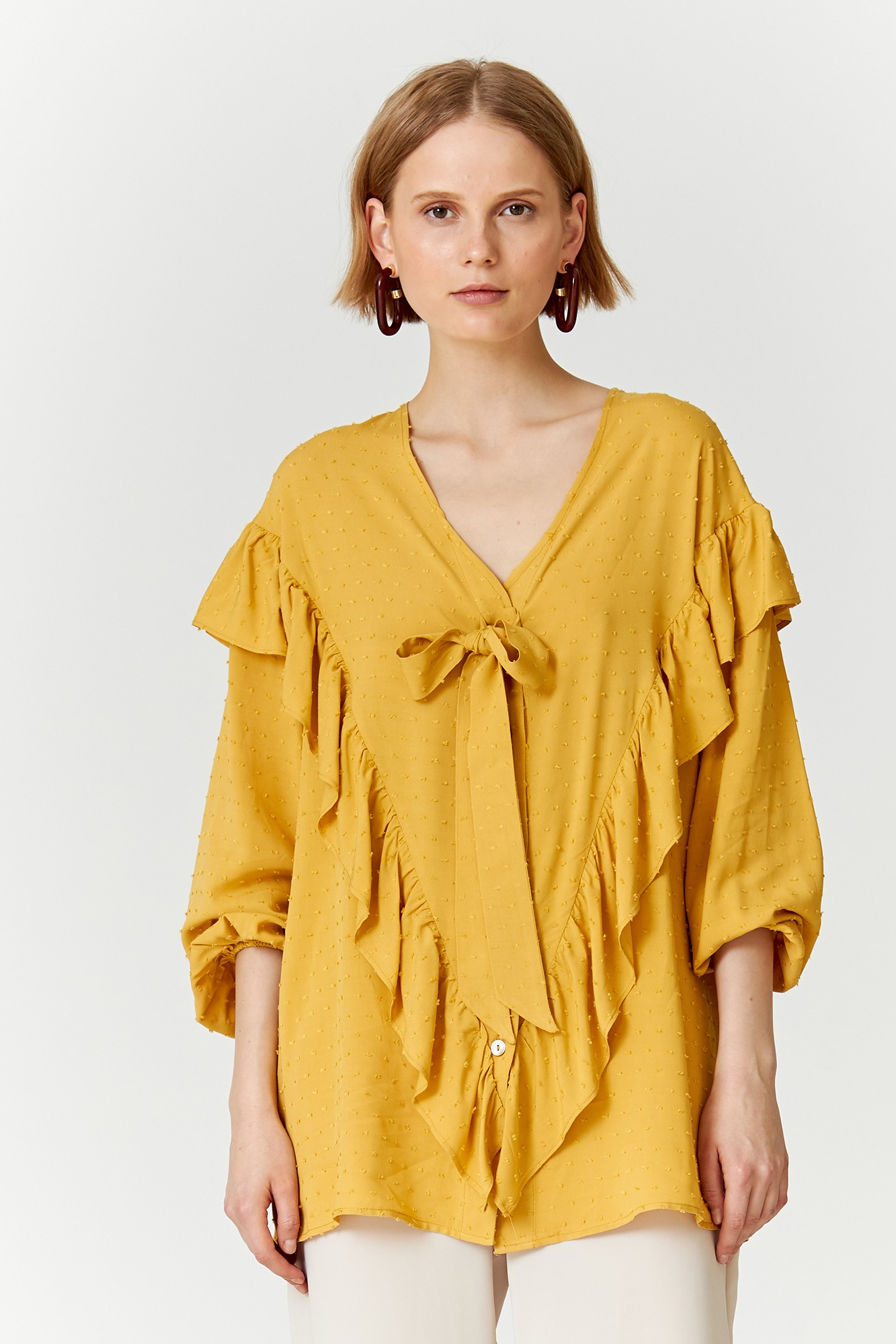 SISTER BABETTE YELLOW SHIRT